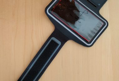 test-du-brassard-universel-pour-smartphone-large-noir-26555